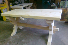 Masivní seslký stůl
